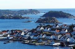 Inselregal und Sommerhäuschen, Norwegen Lizenzfreie Stockbilder