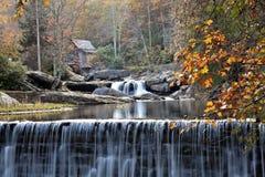 Insenatura Gristmill del Glade in autunno Fotografia Stock Libera da Diritti