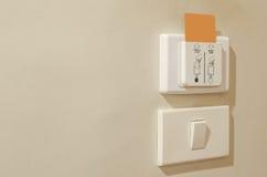 Insertion de carte de dispositif au contrôle de commutateur électrique de l'électrique en Th Photos libres de droits