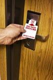 Inserzione del motel nel segno della serratura Immagine Stock