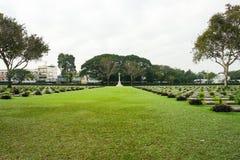 Insidan av den Kanchanaburi krigkyrkogården Fotografering för Bildbyråer