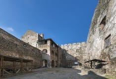 Insidan av fördärvar den Bolkow slotten, Polen Arkivbilder