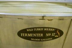 Inside fermentaci bednia przy Dziką Indyczą bourbon destylarnią zdjęcia stock