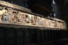 Inside Notre Damae Katedralne ulgi w Paryż Zdjęcia Stock