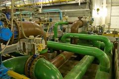 Inside nowożytny wastewater zakład przeróbki Traktowanie niesie out na poscie, naciska piaska filtry zdjęcia stock