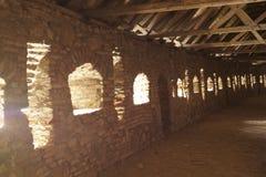 Inside obrończa ściana - ewangeliczka Fortyfikował kościół od Prejmer, Brasov, Transylvania, Rumunia zdjęcia royalty free