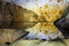 Inside raj jamy Thien Duong jama, Ke Łomota parka narodowego, Wietnam Obraz Stock