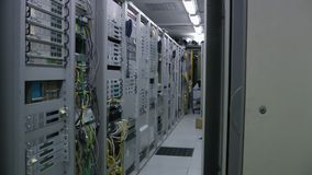 Inside telekomunikacyjny serweru pokój, panorama zdjęcie wideo