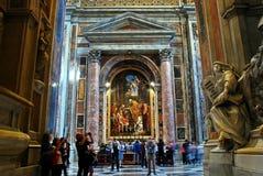 Inside widok świętego Peter bazylika na Maju 31, 2014 Obraz Stock