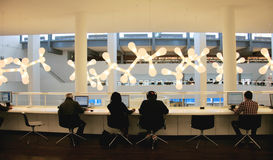 Inside widok Amsterdam Środkowa biblioteka Zdjęcie Stock