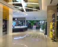 Inside widok Diamentowy zakupy centrum handlowe w Saigon, Wietnam zdjęcie royalty free