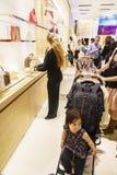 Inside widok sklep Louis Vuitton Obraz Stock