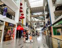 Inside widok zakupy centrum handlowe w Clark Quay, Singapur obraz stock