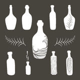 Insieme antiquato dell'icona delle bottiglie dell'annata Fotografia Stock Libera da Diritti