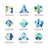 Insieme astratto di progettazione di logo, illustrazioni geometriche di vettore del distintivo della gemma di cristallo illustrazione di stock