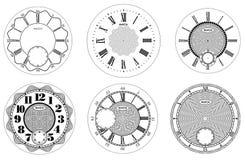 Insieme in bianco del fronte di orologio isolato su fondo bianco Progettazione dell'orologio di vettore Illustrazione numerale ro illustrazione vettoriale