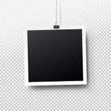 Insieme in bianco della struttura della foto che appende su una clip Retro illustrazione dell'annata style Posto vuoto nero per i Fotografia Stock