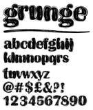 Insieme in bianco e nero minuscolo pieno di fruscii di alfabeto di lerciume, numeri, punto interrogativo Fotografia Stock Libera da Diritti