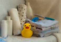 Insieme degli accessori per le cose del bambino per puericultura concentrato materno Fotografia Stock