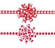 Insieme degli archi dai cuori del nastro per il giorno del ` s del biglietto di S. Valentino della st Immagini Stock