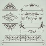 Insieme degli elementi calligrafici decorativi Immagini Stock