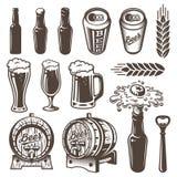 Insieme degli elementi d'annata della fabbrica di birra e della birra royalty illustrazione gratis