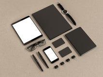 Insieme degli elementi del modello sulla tavola di legno Modello di affari del modello fotografie stock