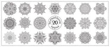 Insieme degli elementi della mandala dello zentangle del disegno della mano Immagini Stock