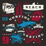 Insieme degli elementi grafici Bus, praticante il surfing, squalo Fotografia Stock