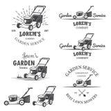 Insieme degli emblemi d'annata di servizio del giardino illustrazione di stock