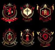 Insieme degli emblemi dell'araldica di vecchio stile, illustrazioni d'annata Fotografie Stock Libere da Diritti