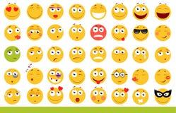 Insieme degli emoticon svegli Icone di sorriso e di Emoji Su fondo bianco Illustrazione di vettore Immagine Stock