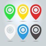 Insieme degli indicatori della mappa, perni della mappa, elementi del puntatore 6 colori, arancia, blu, verde, rosso, bianco, ner Immagini Stock Libere da Diritti