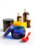 Ingredienti per la preparazione dei cosmetici casalinghi Fotografia Stock Libera da Diritti