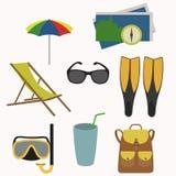 Insieme degli oggetti per le vacanze estive Immagine Stock