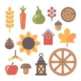 Insieme degli oggetti piani di autunno su fondo bianco Immagine Stock