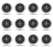 Insieme degli orologi neri per gli orari di esercizio Illustrazione Vettoriale
