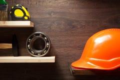 Insieme degli strumenti e degli strumenti sopra Fotografie Stock
