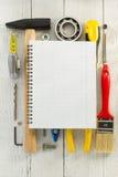 Insieme degli strumenti e degli strumenti su legno Immagine Stock Libera da Diritti