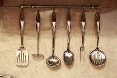 Insieme degli utensili della cucina Immagini Stock