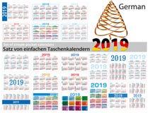 Insieme dei calendari semplici in tedesco del 2019 due mila diciannove La settimana comincia lunedì royalty illustrazione gratis