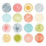 Insieme dei cerchi disegnati a mano dello scarabocchio Elementi di disegno di vettore royalty illustrazione gratis