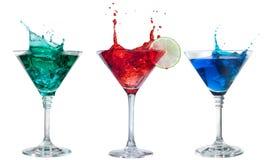 Insieme dei cocktail alcolici isolati su bianco Immagini Stock