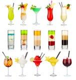 Insieme dei cocktail alcolici isolati su bianco Fotografia Stock Libera da Diritti
