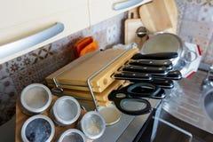 Insieme dei coltelli nella cucina Fotografia Stock