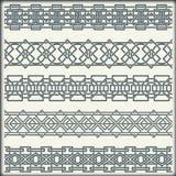 Insieme dei confini d'annata senza cuciture sotto forma di ornamento celtico Immagine Stock