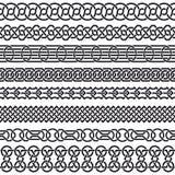 Insieme dei confini d'annata senza cuciture sotto forma di ornamento celtico Immagini Stock