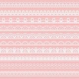 Insieme dei confini delicati del pizzo per progettazione Nastri senza cuciture bianchi su un fondo rosa royalty illustrazione gratis