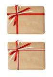 Insieme dei contenitori di regalo con l'arco del nastro Immagini Stock
