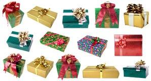 Insieme dei contenitori di regalo dei colori differenti ed agli angoli differenti Fotografia Stock